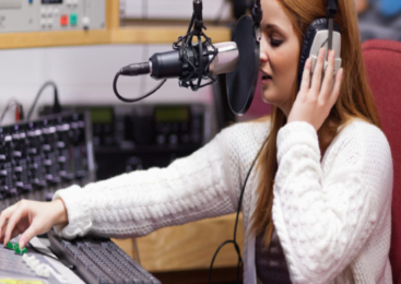 Happy Summer Cafe Music Radio
